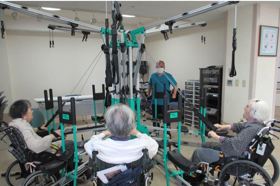 各ホームの取組み(もみの樹・練馬)~様々なリハビリ機器で充実した機能訓練を~